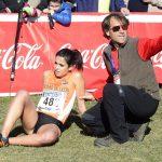 Atleta recibiendo atención de los servicios sanitarios