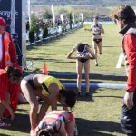 Atletas cansadas a su llegada a meta